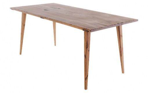 Výnimočný jedálenský stôl CHALUPAR s výraznými prvkami, vhodný na chalupy a chaty.